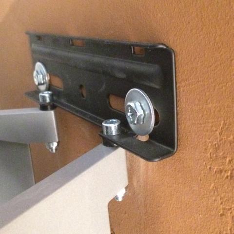 h lt der tv an der gipswand wenn er ohne d bel angeschraubt wurde wandhalterung. Black Bedroom Furniture Sets. Home Design Ideas