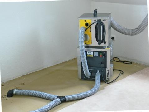 Wasserschaden badezimmer extrahierger t f r polsterm bel - Wasserschaden wand ...