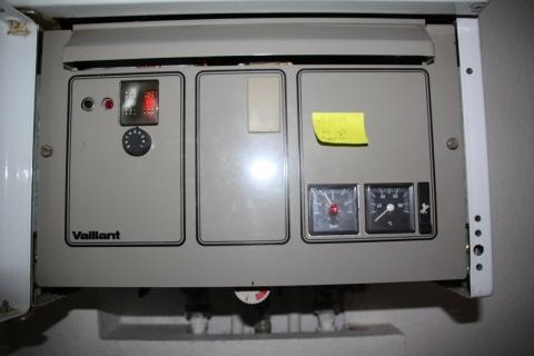 heizung gastherme verkleiden kinder. Black Bedroom Furniture Sets. Home Design Ideas
