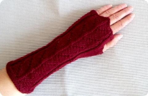 such strickanleitung f r fingerlose handschuhe mit einzeln. Black Bedroom Furniture Sets. Home Design Ideas