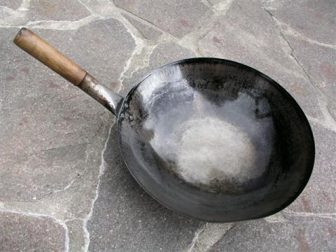 wok pfanne kaufen oder lieber lassen haushalt wokpfanne kochen. Black Bedroom Furniture Sets. Home Design Ideas
