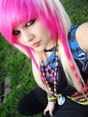 ich suche färbbeispiele für pinke blaue haare und blonder