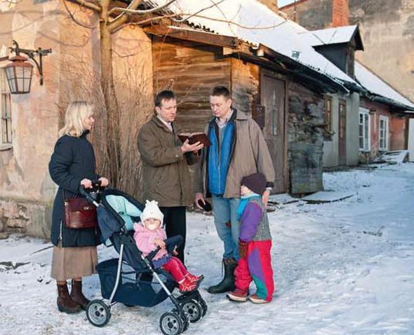 Briefe Von Zeugen Jehovas Nach Russland : Was erzählen zeugen jehovas vor der haustür religion