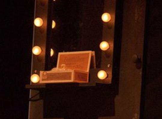 theaterlicht am schminktisch selber bauen schminken licht. Black Bedroom Furniture Sets. Home Design Ideas