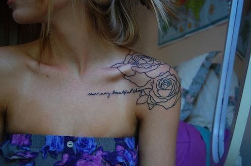 an die tattoo freunde dadraussen : suche schulter tattoo mit rose :-)