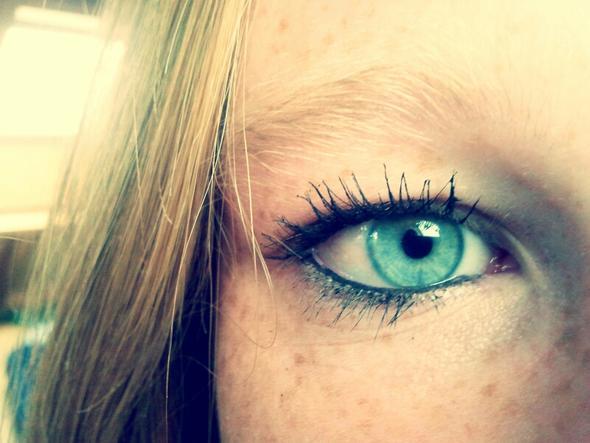 Blaugr ne augen schminken betonen for Smokey eyes blau