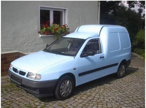 empfehlenswerter transporter hundef nger mit lkw zulassung auto renault ford. Black Bedroom Furniture Sets. Home Design Ideas