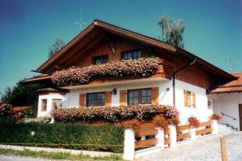 fertigh user im bayrischen stil firmen die solche h user. Black Bedroom Furniture Sets. Home Design Ideas