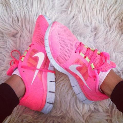 Nike Free Damen Neon Pink