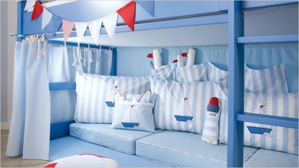 hochbett wie werden die vorh nge befestigt bett kinder. Black Bedroom Furniture Sets. Home Design Ideas