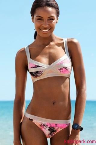 Einen Bikini kaufen