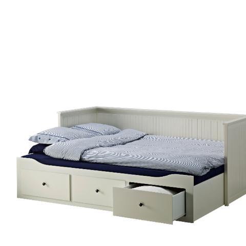 ikea bett zu himmelbett umbauen selber machen bauen kaufen. Black Bedroom Furniture Sets. Home Design Ideas