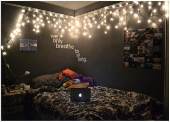 led lichterkette aus kugeln wo gibt es die deko kaufen. Black Bedroom Furniture Sets. Home Design Ideas