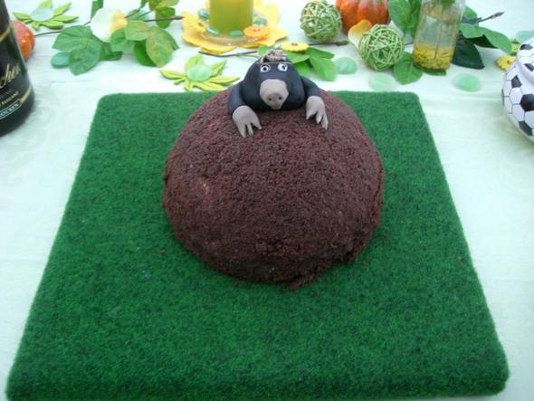 maulwurfkuchen mit maulwurf ern hrung. Black Bedroom Furniture Sets. Home Design Ideas