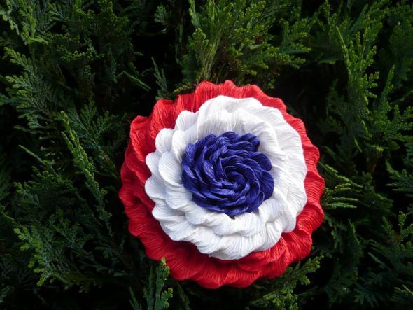 Krepppapier Blumen Basteln Anleitung : Rosen aus Kreppapier! Anleitung gesucht! (Hochzeit)