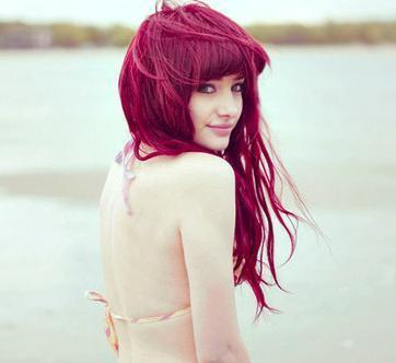 rote lila haare mit henna pflanzenfarbe chemie pflanzen haarfarbe. Black Bedroom Furniture Sets. Home Design Ideas