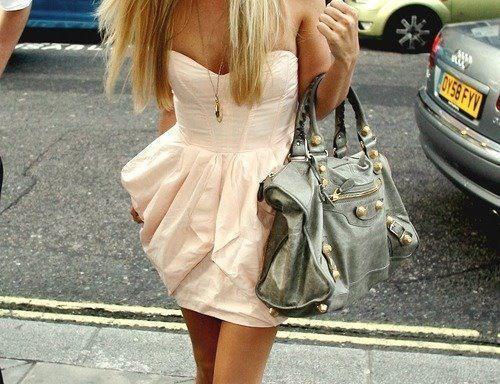 Schönes kleid :) **