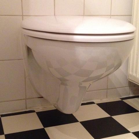 sp lung und toilette modernisieren sanit r badezimmer. Black Bedroom Furniture Sets. Home Design Ideas