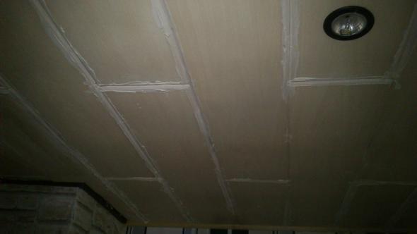 Styropor kleber auf der oberfl che der styropor panelle - Kleber von fliesen entfernen ...