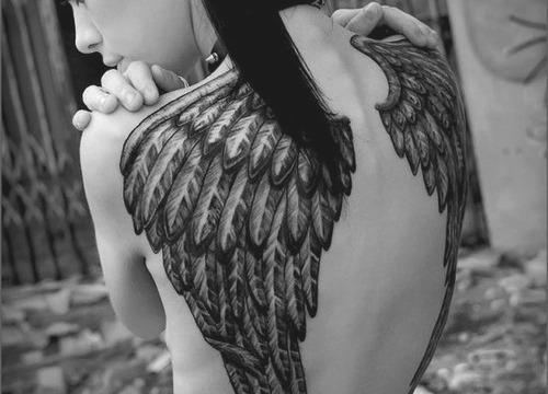 Tattoo engelsflügel siehe bild wie teuer könnte das werden