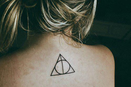 tattoo für schwestern, verbindung dreieck?