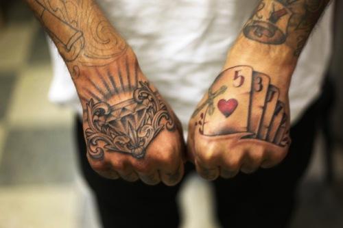 tattoos bedeutungen hilfe tattoo