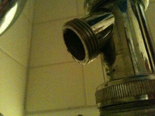 waschmaschinenabfluss an waschbecken siphon anschlie en sanit r anschluss waschmaschine. Black Bedroom Furniture Sets. Home Design Ideas