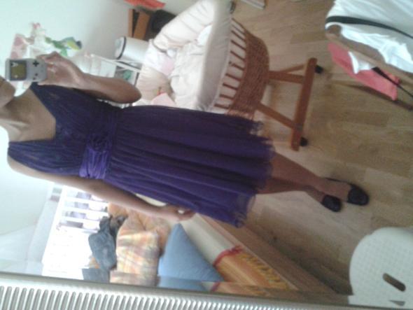 lila kleid welche schuhe