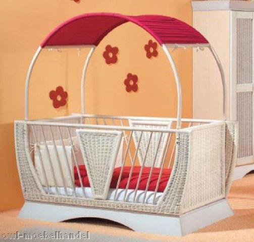 wo finde ich diese babybetten babyzimmer wohnung baby wohnen. Black Bedroom Furniture Sets. Home Design Ideas