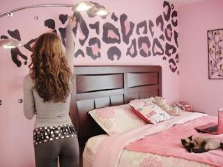 zimmer streichen wie krieg ich sowas hin oder woher muster malen wand. Black Bedroom Furniture Sets. Home Design Ideas
