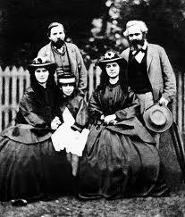 Karl Marx mit Engels & Familie - (Geschichte, England, kapitalismus)