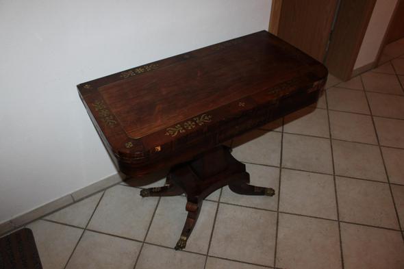 m chte einen antiken kartentisch verkaufen englisch. Black Bedroom Furniture Sets. Home Design Ideas