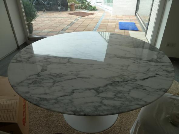 wie pflege ich am besten einen stumpfen marmortisch haushalt tisch marmor. Black Bedroom Furniture Sets. Home Design Ideas
