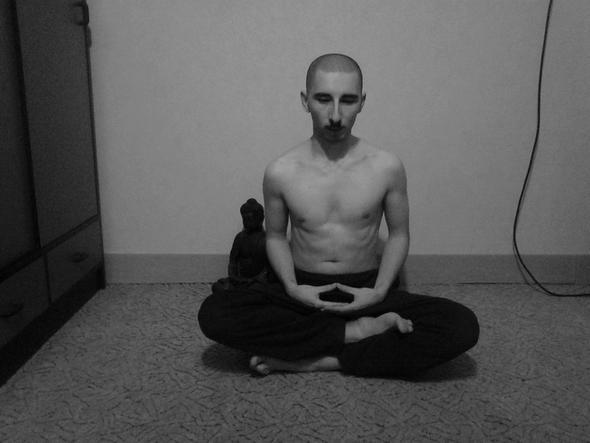 Einfacher Möchtegern-Mönch mit Glatze - (Haare, Mode, Jugend)