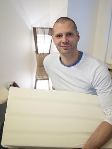 kaufempfehlung matratze bei nackenverspannung und r ckenschmerzen kaufberatung ergonomie. Black Bedroom Furniture Sets. Home Design Ideas