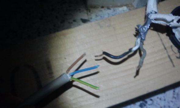 2 Draht Stromkabel anschließen an Steckdose mit 3 Kabel (Haus, Strom ...