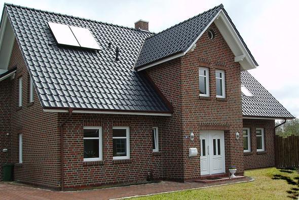 Dachziegel farben  Wo dachziegel nach RAL Farbe kaufen (Haus, Bezugsquelle)