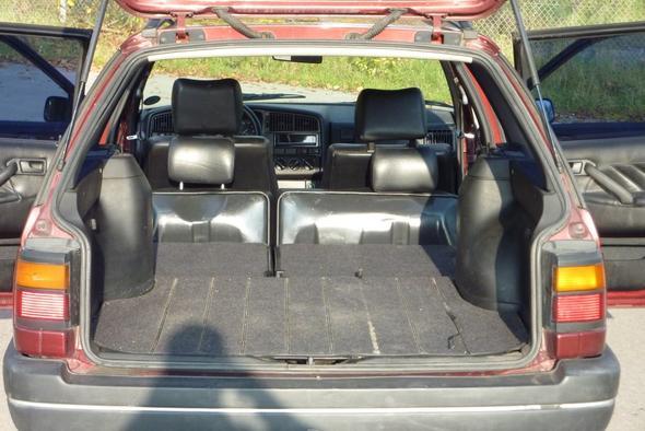 suche ein auto mit m glichkeit eine breite matratze z. Black Bedroom Furniture Sets. Home Design Ideas