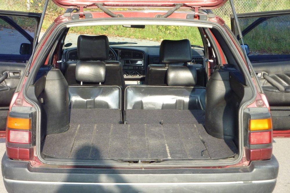 suche ein auto mit m glichkeit eine breite matratze z campen im kofferraum bequem. Black Bedroom Furniture Sets. Home Design Ideas
