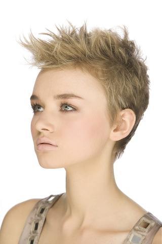 Extrem kurze damen frisuren