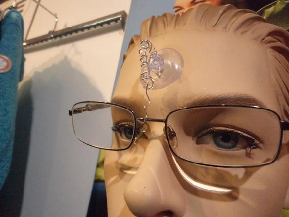 Aufhängevorrichtung für Brillen (als Herren-Accessoires ) - (Brille, Glasgläser)