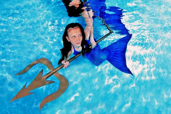 Meerjungfrauenflosse schwimmen meerjungfrau flossen for Naturteich zum schwimmen