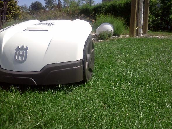 Automower 305 in weiss - (Roboter, Rasen, Rasenmäher)