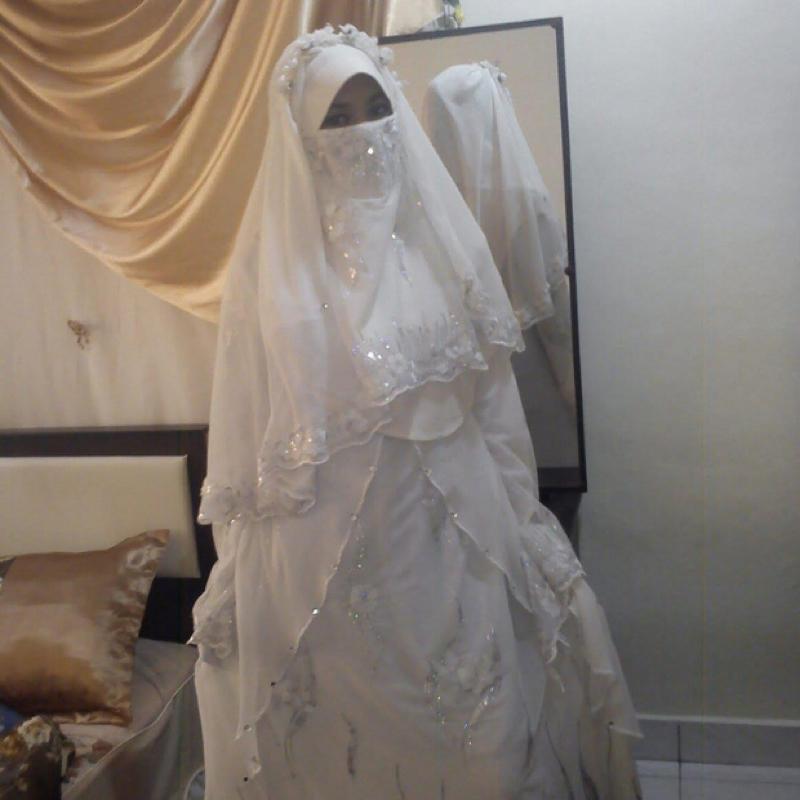 m ssen frauen die eine burka tragen auch an der hochzeit. Black Bedroom Furniture Sets. Home Design Ideas