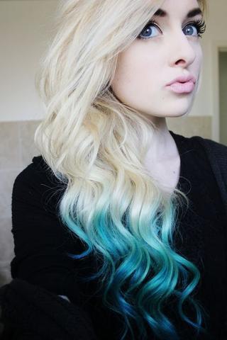 mit einem Blauen ombrè! sieht man nicht immer :) - (Haare, Fashion, blond)