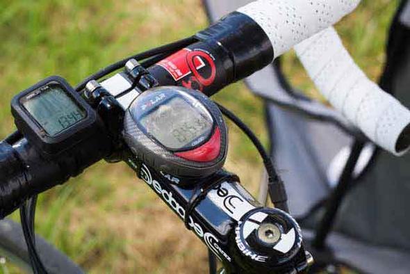 Fahrradcomputer Wo Anbringen : Fahrradcomputer mit pulsmessung computer gesundheit fahrrad