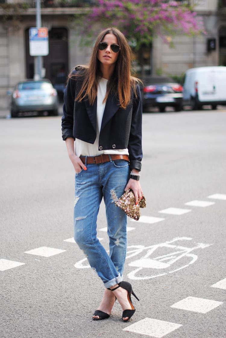 kombination wei e boyfriend jeans mit l chern mode. Black Bedroom Furniture Sets. Home Design Ideas