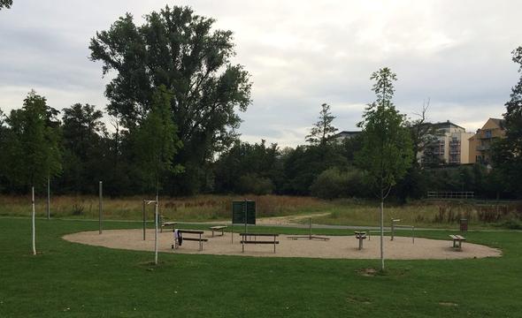 Trainingsplatz an der Siebenbogenbrücke in Fürth - (Freizeit, Sport, Fitness)