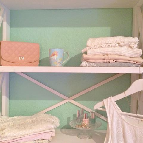 Hier sind ein paar Pastelltöne drauf  - (Mädchen, Wandfarbe, jugendzimmer)