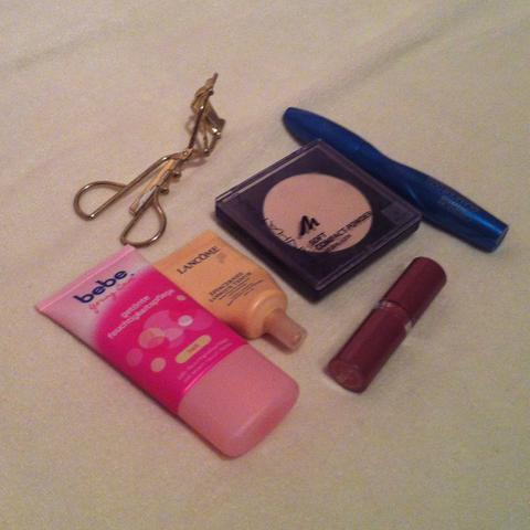 Kosmetik - (Schule, Mädchen, Arbeit)